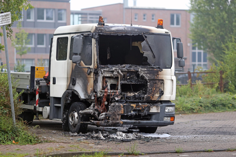 Auch in der vergangenen Nacht brannten wieder drei Autos in Oldenburg - dieses Mal in der Tastruper Straße.
